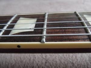 ギターの指板部フレット