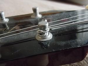 エレキギター弦巻ペグポスト部