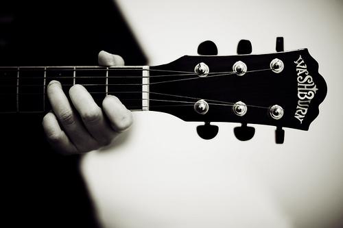 ギター初心者が効率よく初心者から脱出する方法