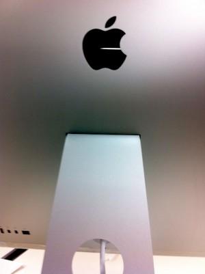 iMacの後部