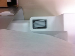 iMacは電源ケーブル