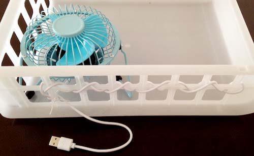 USB扇風機をケーブルで固定
